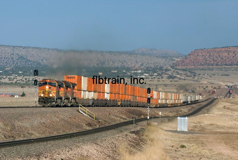 BNSF2010040922 - BNSF, Seligman, AZ, 4/2010