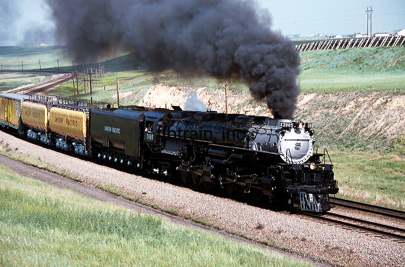 UP2001060217 - Union Pacific, Cheyenne, WY, 6/2001