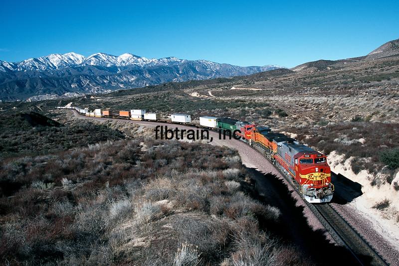 BNSF2001020058 - BNSF, Cajon Pass, CA, 2/2001
