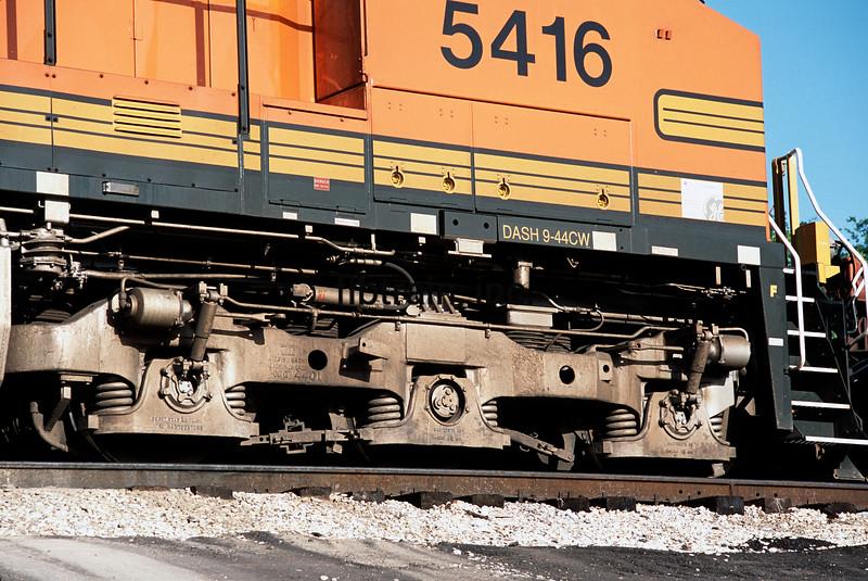 BNSF2001040237 - BNSF, Jackson, MS, 4/2001
