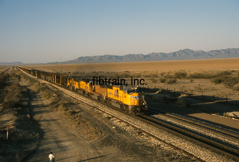 UP2003040056 - Union Pacific, Cochise, AZ, 4/2003