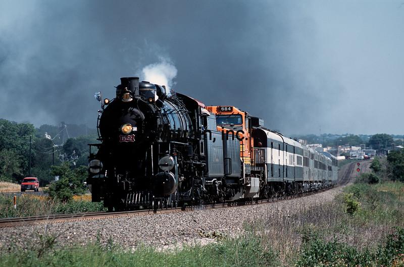 BNSF2001055032 - BNSF, Ponder, TX, 5/2001