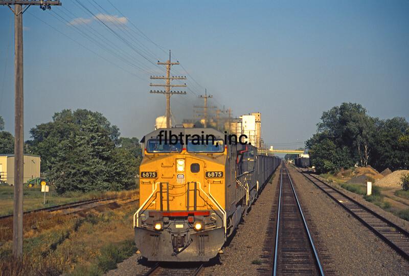 UP2000090031 - Union Pacific, Schuyler, NE, 9/2000