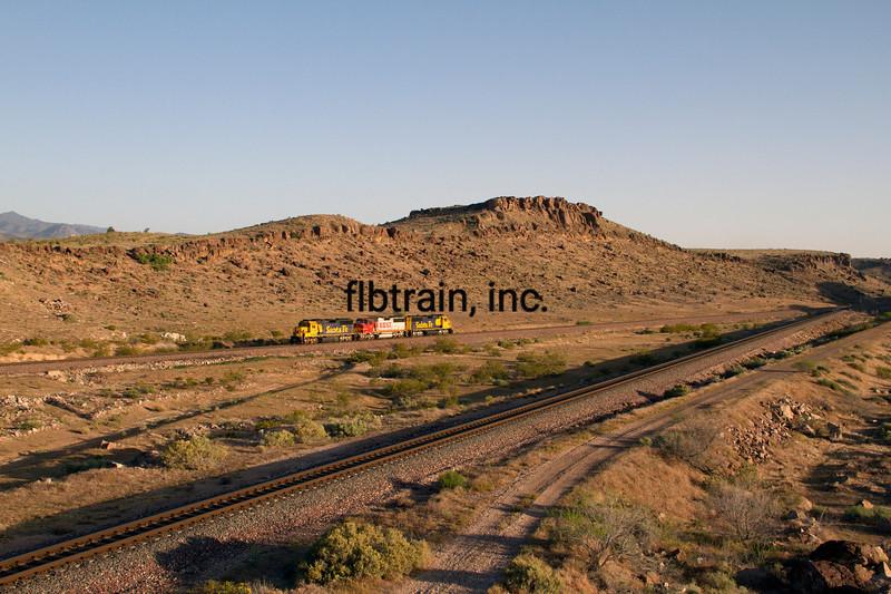 BNSF2012050470 - BNSF, Kingman, AZ, 5/2012
