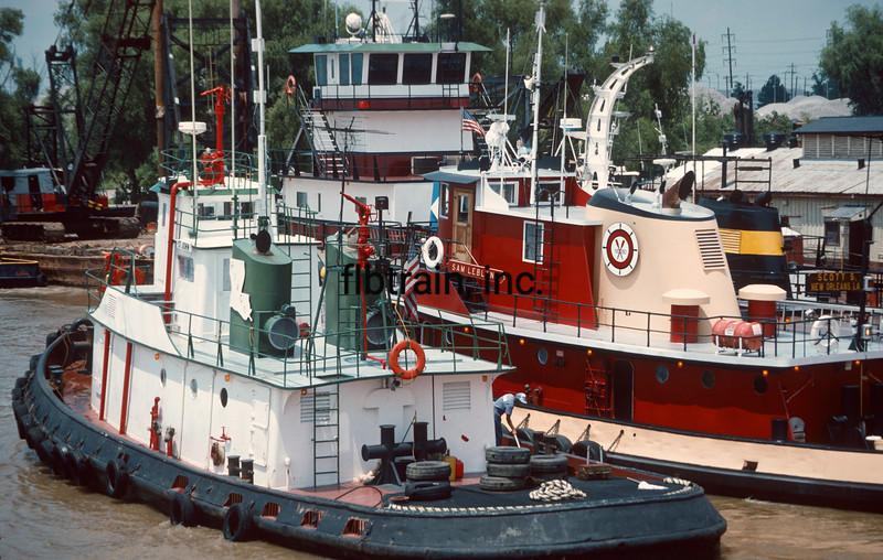 TUG1989060038 - Mississippi River, Baton Rouge, LA, 6-1989