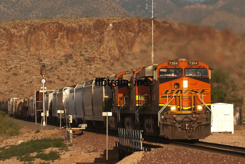 BNSF2012050839 - BNSF, Kingman, AZ, 5/2012