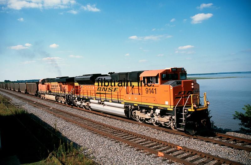 BNSF2009090030 - BNSF, Montrose, IA, 9/2009