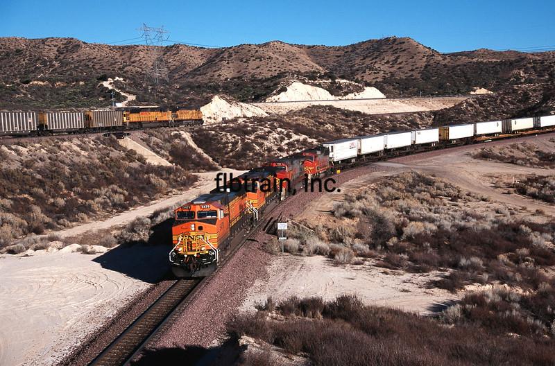 BNSF2001020227 - BNSF, Cajon Pass, CA, 2/2001