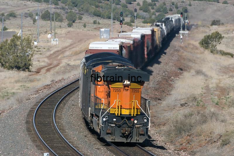 BNSF2010041202 - BNSF, Crookton Overpass, AZ, 4/2010