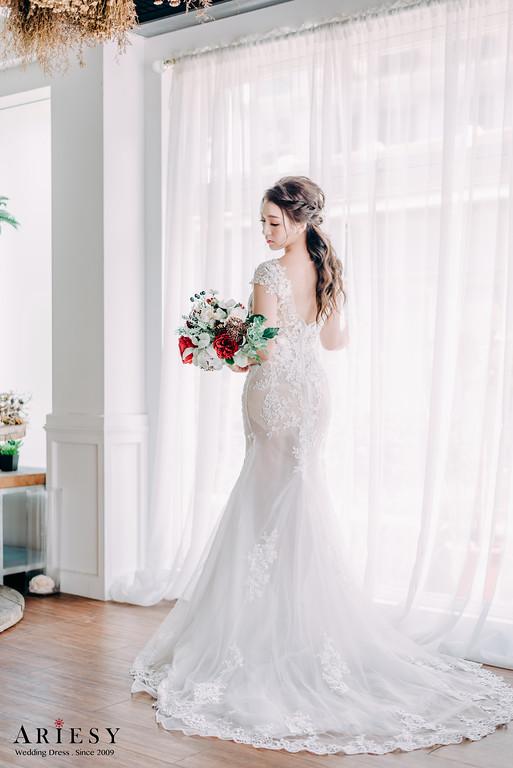 禮服出租,新莊自助婚紗,手工婚紗,婚紗包套,透膚白紗,魚尾白紗