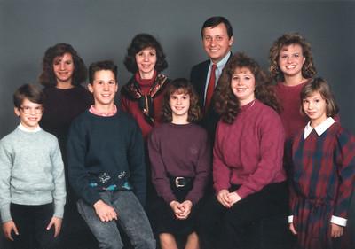 891110 Family Photo