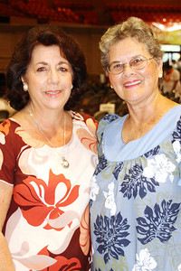 Former CCH roommates and PCC alumnae Margaret Doversola (left) and Sally Ann McShane Foley, before the musical fireside; (Polynesian Cultural Center photo by Mike Foley)