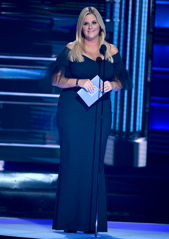 . Trisha Yearwood presents the award for male vocalist of the year at the 51st annual CMA Awards at the Bridgestone Arena on Wednesday, Nov. 8, 2017, in Nashville, Tenn. (Photo by Chris Pizzello/Invision/AP)
