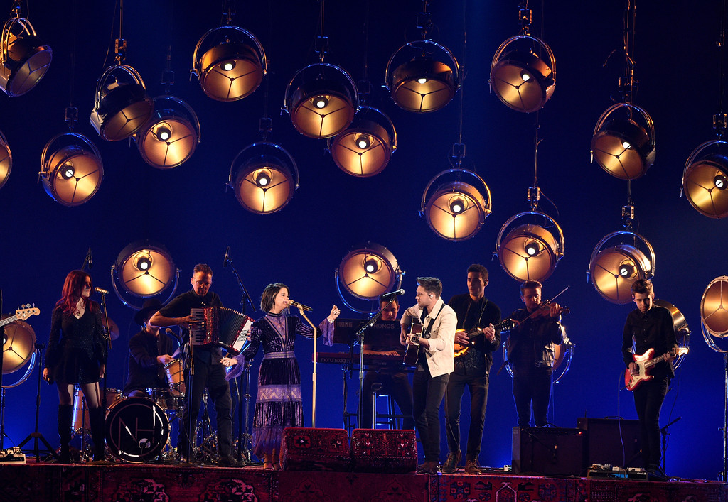 . Maren Morris, center left, and Niall Horan perform at the 51st annual CMA Awards at the Bridgestone Arena on Wednesday, Nov. 8, 2017, in Nashville, Tenn. (Photo by Chris Pizzello/Invision/AP)