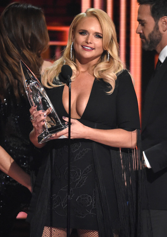 . Miranda Lambert accepts the award for female vocalist of the year at the 51st annual CMA Awards at the Bridgestone Arena on Wednesday, Nov. 8, 2017, in Nashville, Tenn. (Photo by Chris Pizzello/Invision/AP)