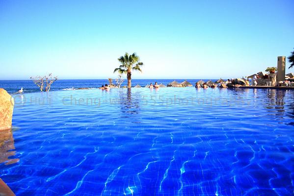 Infinity Pool - Fiesta Americana