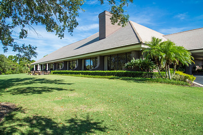 Bent Pint Stock Images - Clubhouse and Golf Course-1049
