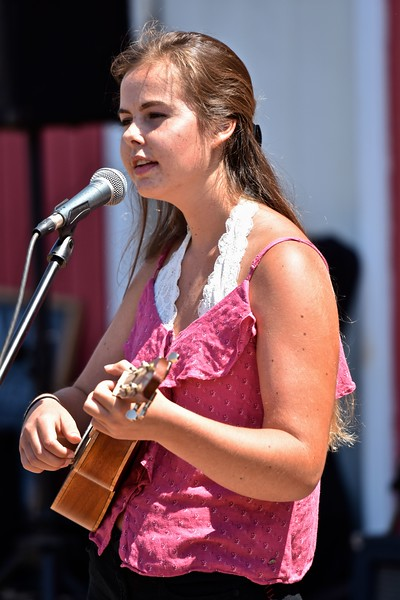 Sophie Roberts of Westhaven plays the ukulele at the festival. José Quezada—For the Times-Standard
