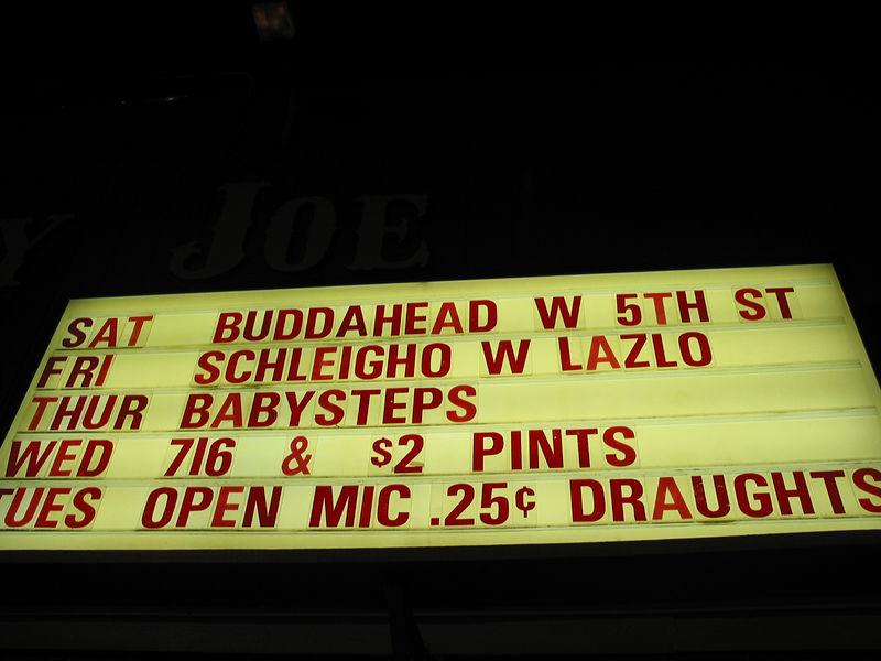2003_9_27_Broadway_Joes_001