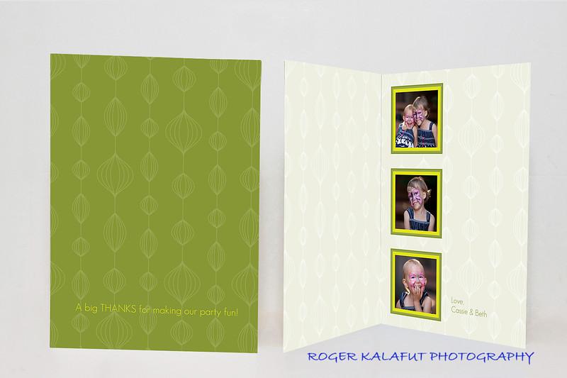 """<a href=""""http://smugmug.com/photos/tools.mg?cardID=665520796&Type=Album&tool=newcard"""">Make this card</a><br /><br /><span class=""""cardDetails"""">Artwork details: <a href=""""http://cards.smugmug.com/photos/710957342_fmNVG-O.jpg"""">back of card</a><br />Minimum photo resolutions: 456x452, 456x452, 456x452</span>"""