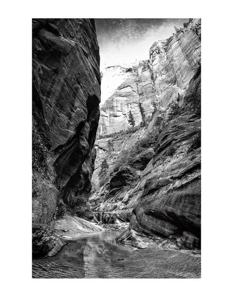 IMGP3514-zion-slot-canyon-border-bw-vt
