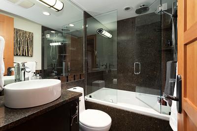 E6 Bath 3