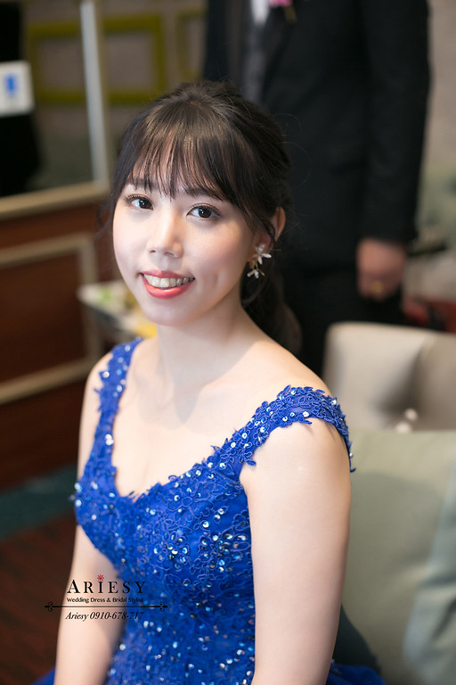 黑髮新娘秘書,台北新秘,ariesy,敬酒新娘造型,藍色禮服造型,維多麗亞酒店婚宴