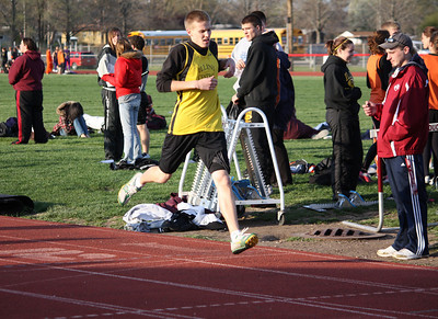 HHS-Track-4-21-2009-TimOest_1095