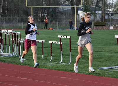HHS-Track-4-21-2009-TimOest_1051