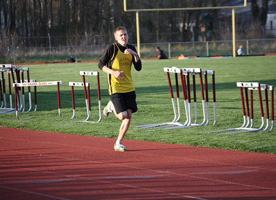 HHS-Track-4-21-2009-TimOest_1089