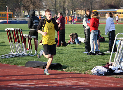 HHS-Track-4-21-2009-TimOest_1093