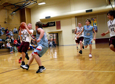 HJHS-BBall-1-12-2009_8943