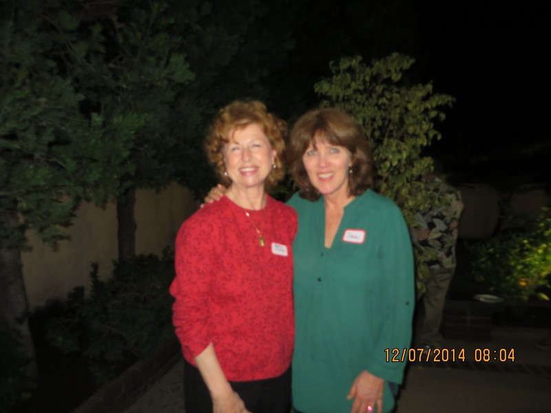 Progressive Dinner for Tract 6276 with appetizers at the Geddes, Dinner at the Cottons' and Desert at Jodi's on the evening of December 6, 2014.