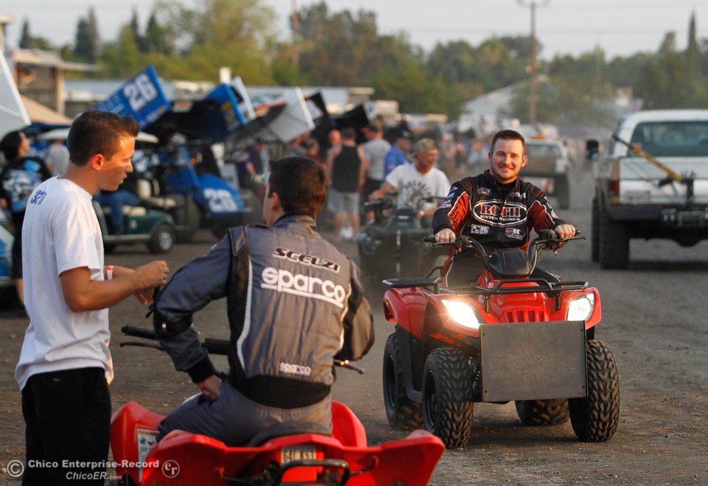 . Spring car driver Kyle Hirst, right, races by other drivers and the 360 Sprint cars on the day one of the 64th annual Gold Cup Race of Champions featuring the Civil War Series Wednesday September 6, 2017 at the Silver Dollar Speedway in Chico, California. (Emily Bertolino -- Enterprise-Record)