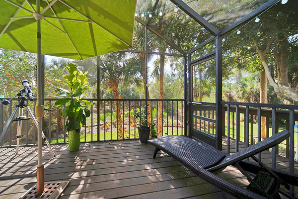 6713 Sea Isle Dr. Fort Myers FL. Presented by Roland Theis P.A.