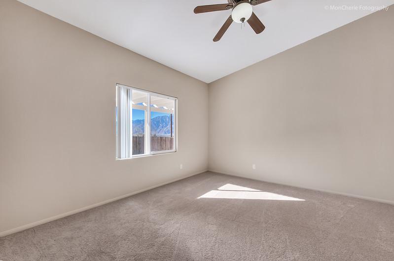 67325 Desert View-25