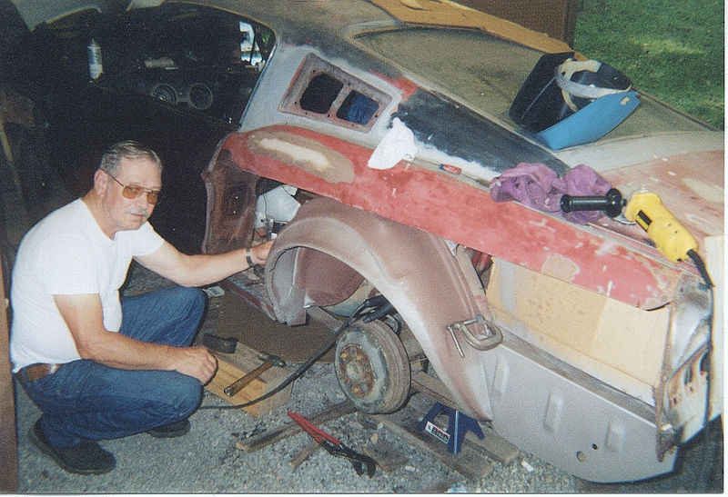 Driver's Side Outer Wheel Housing, Summer 2000