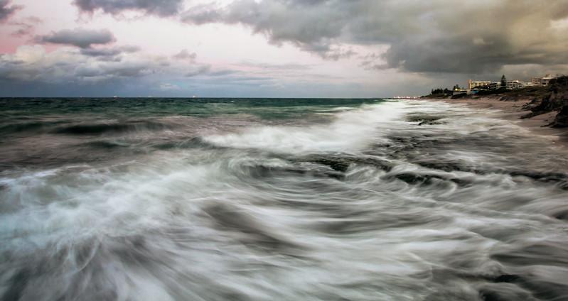 Coastline in Motion