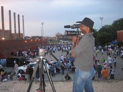 Gordon Lake filming Old School Monday in July, 2007 (photo: Ronit Bezalel)