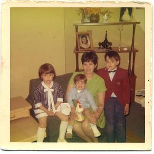 1968 Easter (Jack 7, Kevin 1 5, Kelli 4)