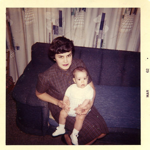 1962 JoAnn with Jack at 6 mos