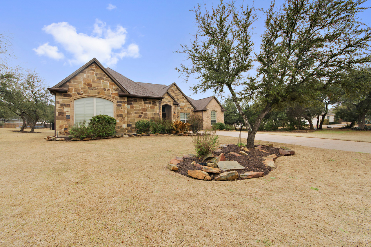 Leander YX home for sale Overlook bend