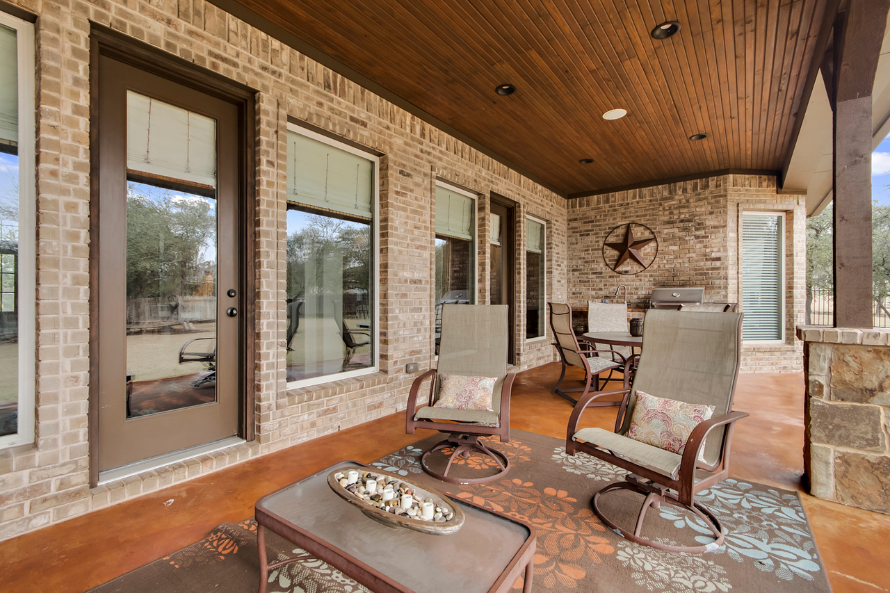 Acreage homes Leander TX