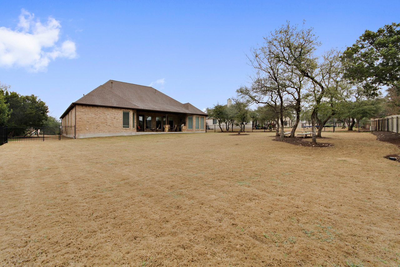 710 Overlook Bend Leander TX home on acreage