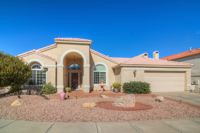 To learn more about this home for sale at: 76 Marble Canyon Rd., Oro Valley, AZ 85755 Call Mike Rapp (520) 548-9741