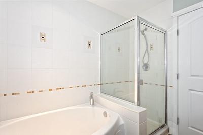 G8 Bath 1B
