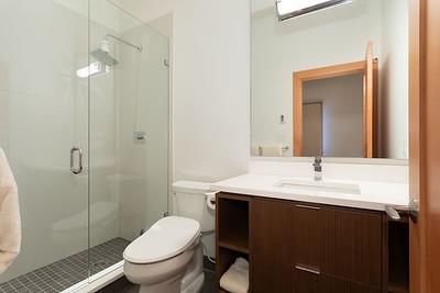 R8 Bath 3