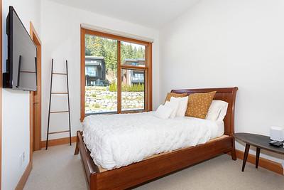 R8 Bedroom 2
