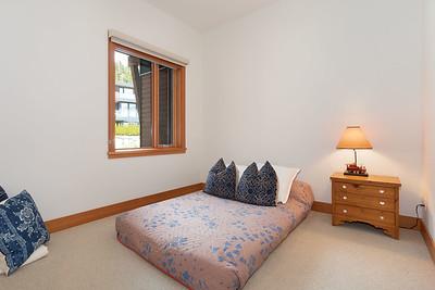 R8 Bedroom 3
