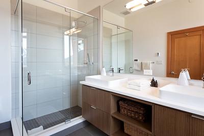 R8 Bath 1B